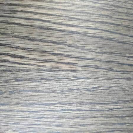 Naturaalse spooniga puitlaastplaat